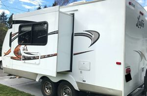 2010 Layton travel trailer 1000$ for Sale in Jersey City, NJ