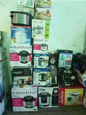 (Crockpot (toaster ) everything for Sale in St. Louis, MO