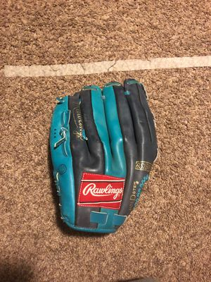 "Rawlings perfect condition 12 1/2"" leather baseball/softball glove for Sale in Addison, IL"