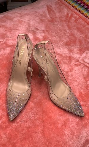 BRAND NEW clear heel with Swarovski crystals for Sale in Eastvale, CA
