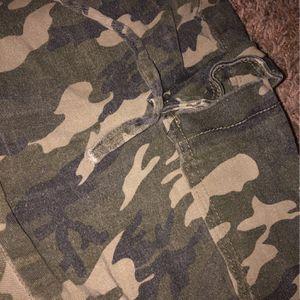 Camo Cargo pants for Sale in Grantsburg, WI