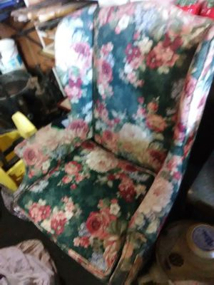 Winged back chair for Sale in Hutchinson, KS