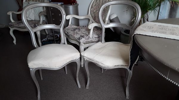 Used Salon Chairs >> Antique Salon Chairs Some Need Upholstery Reinforcement As Is Ok To Use 4 Selling As Set Of 2 160 Or All 4 Together 215 For Sale In Honolulu Hi
