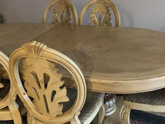 Untique, Dining Table, Chairs for Sale in Battle Ground,  WA