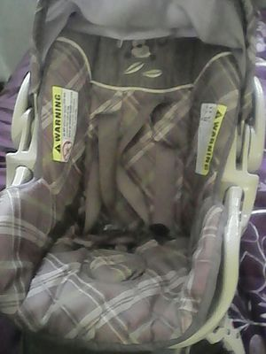 Complete baby car seat for Sale in Portland, OR