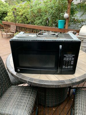 GE Over The Range Microwave for Sale in Newcastle, WA