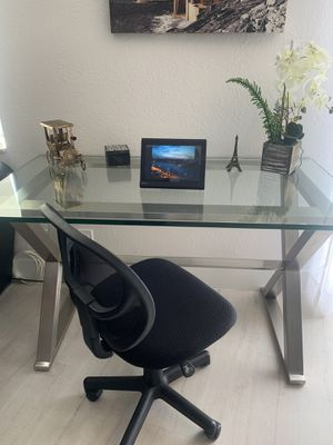 Beautiful thick glass top desk + chair for Sale in Lighthouse Point, FL