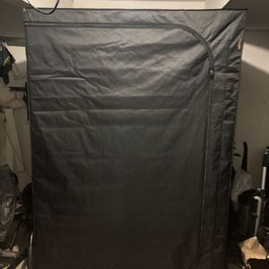 5 x 5 grow tent with veg and a flower lights with ballast for Sale in Tigard, OR