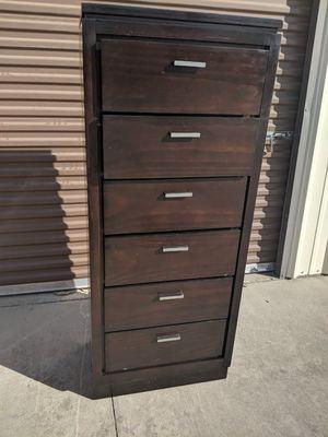 Dresser for Sale in Sanger, CA