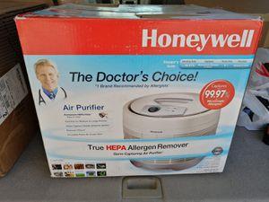 Honeywell True HEPA Allergen Reducer & Germ Fighting Air Purifier, Round Design, 50150-N for Sale in Las Vegas, NV