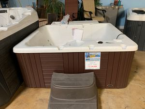 Hot Tub ( 110v ) for Sale in Anaheim, CA