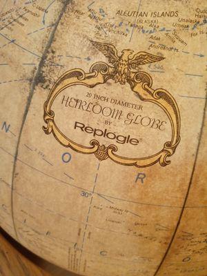 Antique Globe 20' for Sale in Tacoma, WA