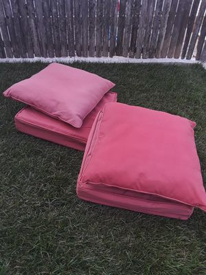 Outdoor deep cushion set 4 bottom 4 tops. 24x24 for Sale in North Providence, RI