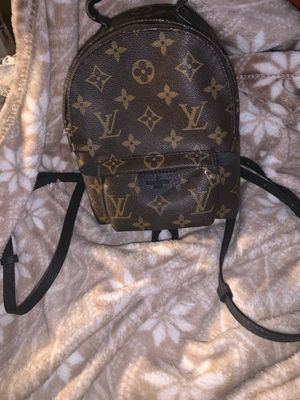 louis Vuitton mini back pack(used a couple times)(year:2016) for Sale in Rancho Mirage, CA