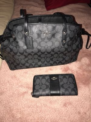 Fancy black C purse for Sale in Fresno, CA
