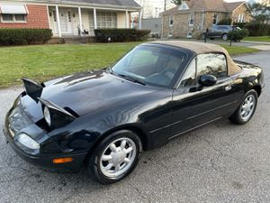 Mazda miata mx-5 limited edition !!!! (Clean)!! for Sale in Milford Mill, MD