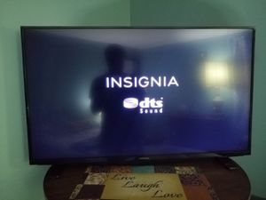 39 inch Insignia LED tv for Sale in Chicago, IL