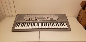 Casio CTK-574 Electric Keyboard Touch Sensitive Midi 137 Tones Piano 61 Key-Works Great (Santa Rosa) for Sale in Santa Rosa, CA