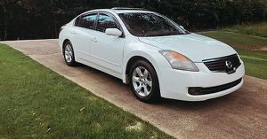 very nice nissan altima 2008 low price for Sale in Detroit, MI