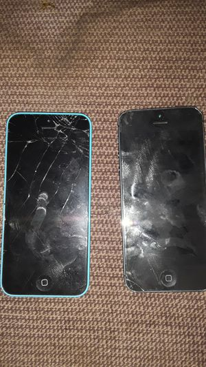 Iphone 5 and SE (for parts) for Sale in Spring Valley, CA