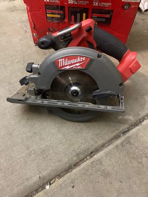 """Milwaukee (2730-20)M18 FUEL BRUSHLESS 6-1/2"""" Circular Saw for Sale in Phoenix, AZ"""