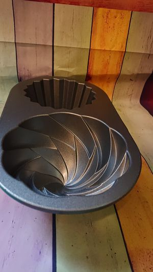 Giant cupcake pan for Sale in Hudson, MA