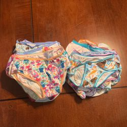 4t Toddler Girl Undies 28 Of Them for Sale in Antelope,  CA