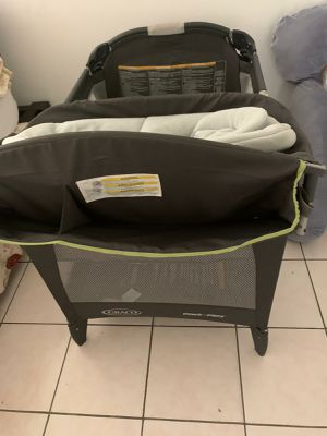 Graco pack N play for Sale in Miami, FL