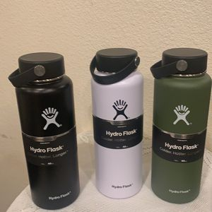Hydro Flask 32onz And 40onz for Sale in Pomona, CA