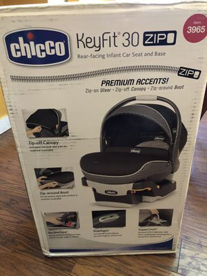 Chicco infant car seat for Sale in Oakland, CA