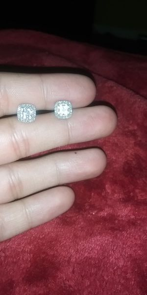 Diamond earrings (obo) for Sale in Austin, TX