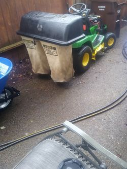 John Deere LX 172 Riding Mower for Sale in Oregon City,  OR