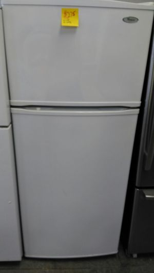Whirlpool refrigerator (white) for Sale in Cleveland, OH