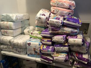 Diapers size 6 and 7 and newborn 1 and 2 for Sale in Dallas, TX