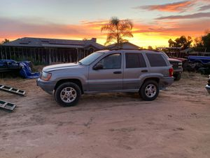 2004 jeep Cherokee for Sale in Madera, CA