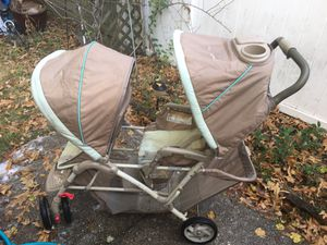 Graco double stroller nice only 60 Firm for Sale in Glen Burnie, MD