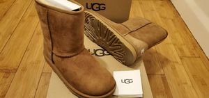 Classic Short UGG boots size 5,6,7,8 and 9 in women. for Sale in East Compton, CA