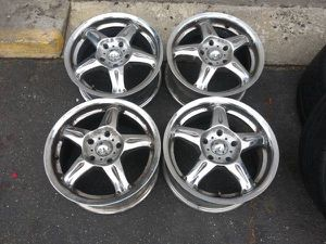 American racing 15 inch chrome rims 5x110 Chevy, Pontiac, Saturn, more for Sale in Montebello, CA