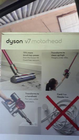 Dyson v7motorhead for Sale in Wichita, KS