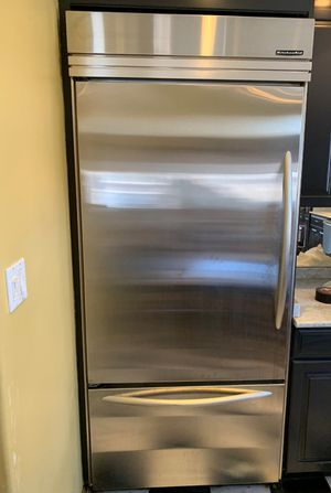 KITCHEN AID FRIDGE, MARVEL WINE COOLER, BOSCH DISHWASHER. SOLD AS A SET. INDIVIDUAL SALE PLEASE WRITE ME A MESSAGE. CASH ONLY for Sale in Staten Island, NY