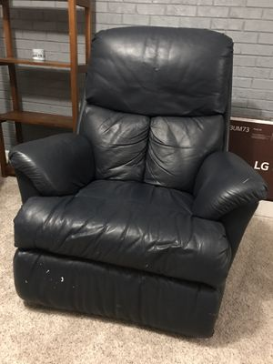 Leather recliner for Sale in New Hill, NC
