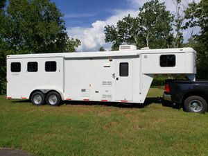 2012 Bison 3 Horse Trailer 380TH for Sale in Clearwater, FL