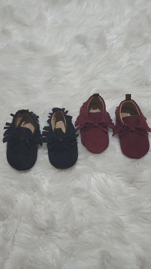 Baby girl moccasins 12-18 months for Sale in Las Vegas, NV