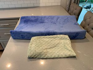 Diaper changing pad with 2 covers for Sale in Bothell, WA