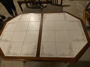 Kitchen table for Sale in Cumberland, RI