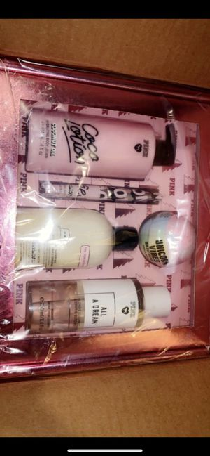 New Victoria's Secret gift set body spray body wash coconut oil lotion bath bomb and face mask for Sale in Huntington Park, CA