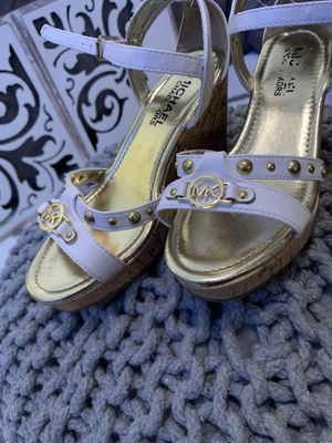 Michael Kor Shoes size 2 big kid for Sale in Batavia, OH