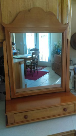 Tabletop Swivel Mirror With Jewelry Drawer for Sale in Las Vegas, NV