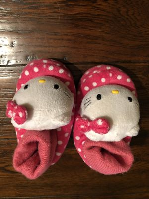 Hello kitty girl's slippers, size S, 5-6 for Sale in Kenmore, WA