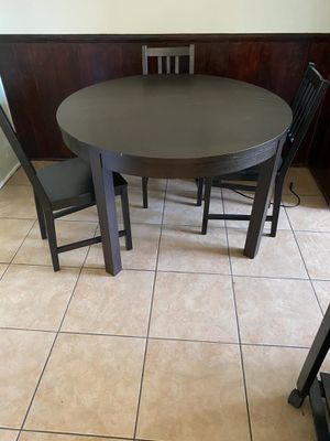 Expandable kitchen table with 3 chairs for Sale in San Diego, CA